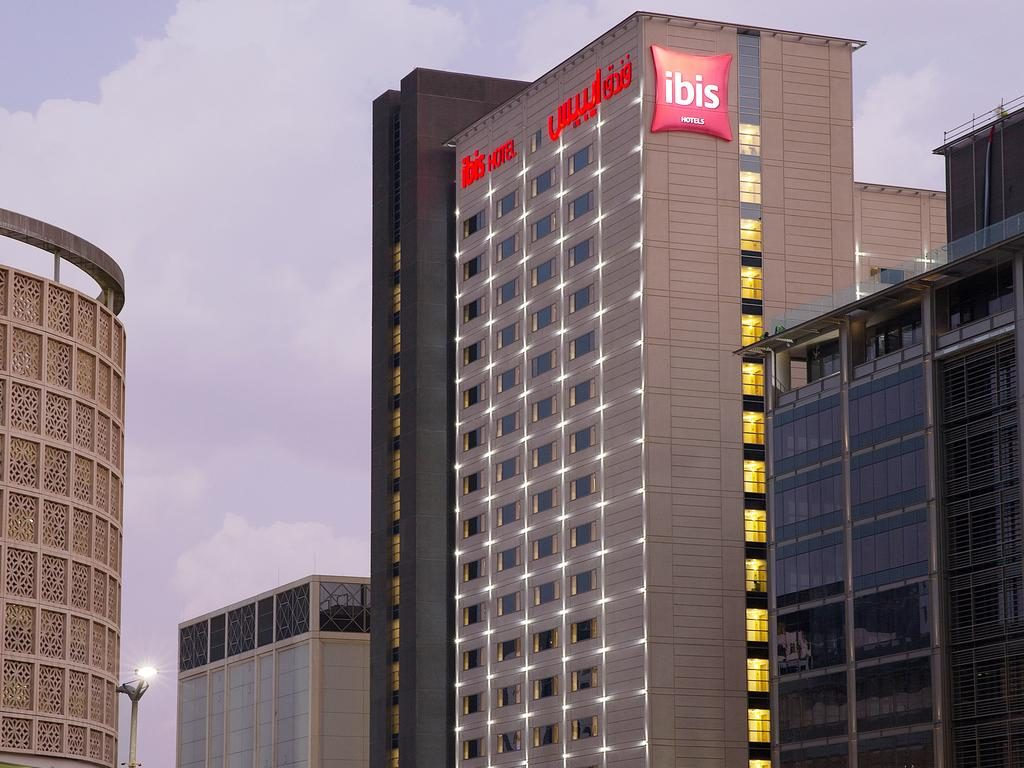 Hotel-ibis-One-Central