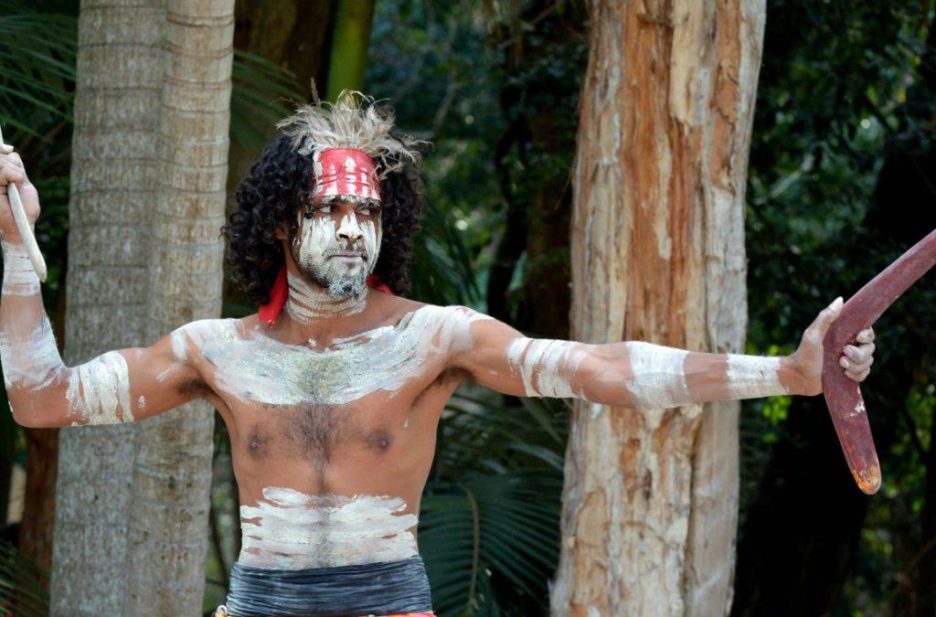 Traje-tipico-de-autralia-Indigenas