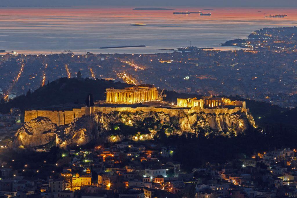 Acropolis-de-noche