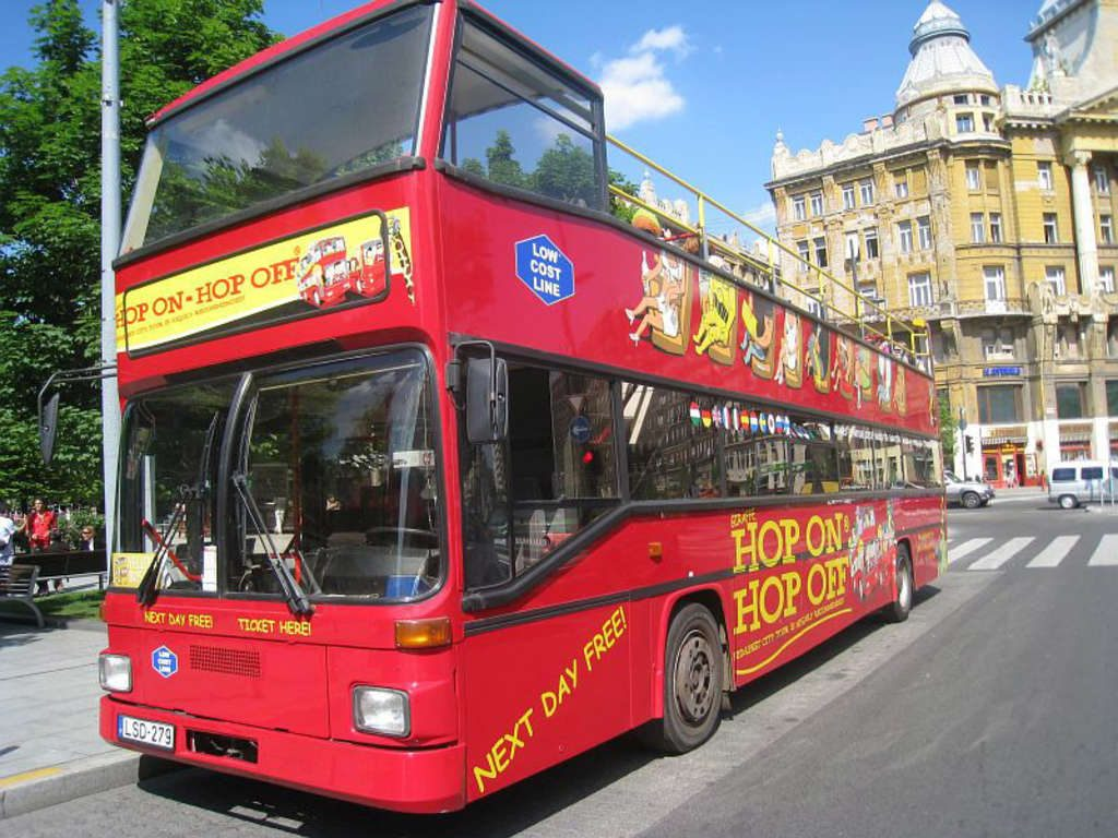 Bus-City-Sightseeing-Tour-en-Budapest