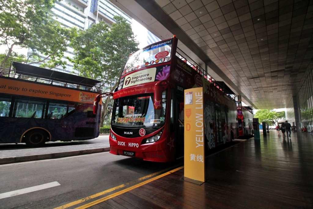 Bus-turistico-en-Singapur