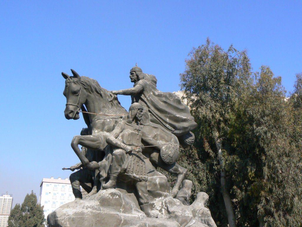 Estatua-de-Saladino