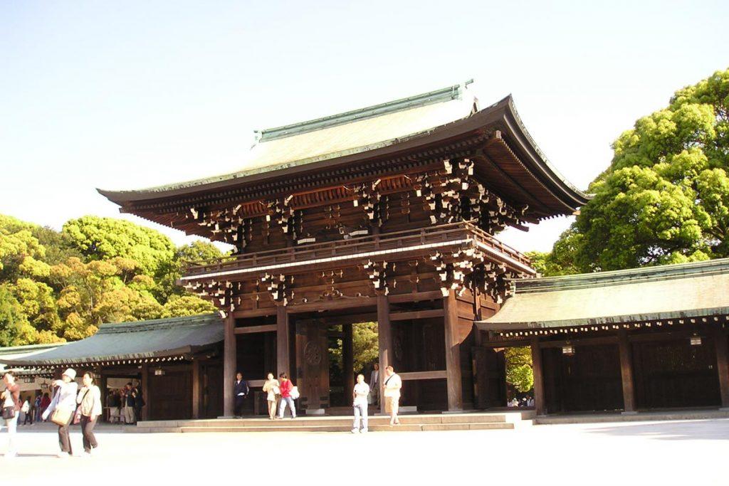 Exterior-del-santuario-Meiji