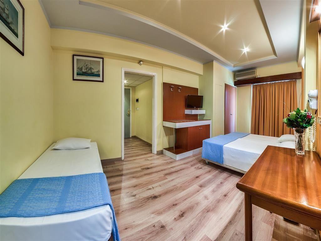 Interior-del-hotel-Athens-Cypria