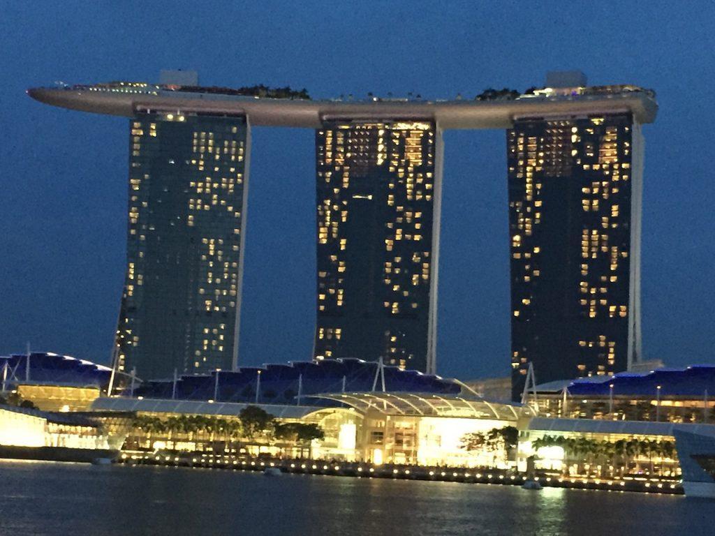 Mejor-economia-de-mercado-y-bienestar-social-en-Singapur