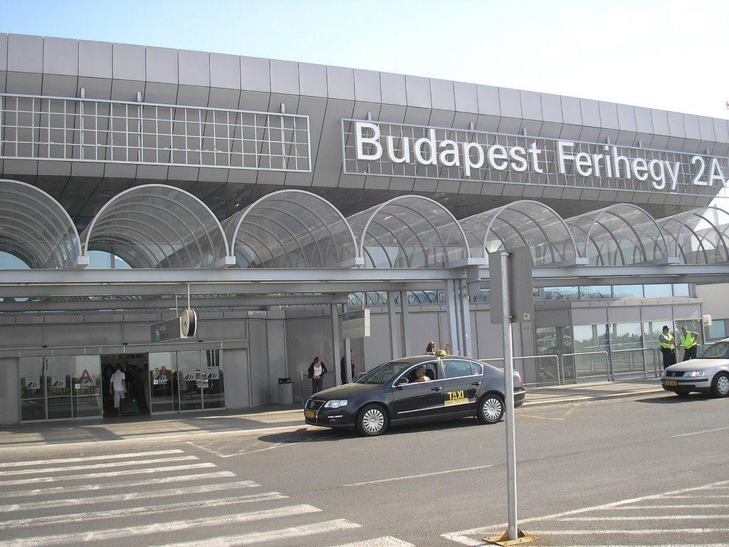 Taxi-en-el-Aeropuerto-de-BudapestFerenc-Liszt