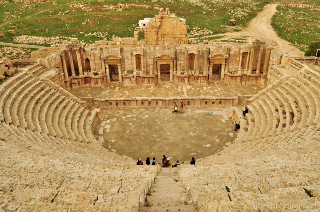 Teatro-Romano-de-Petra