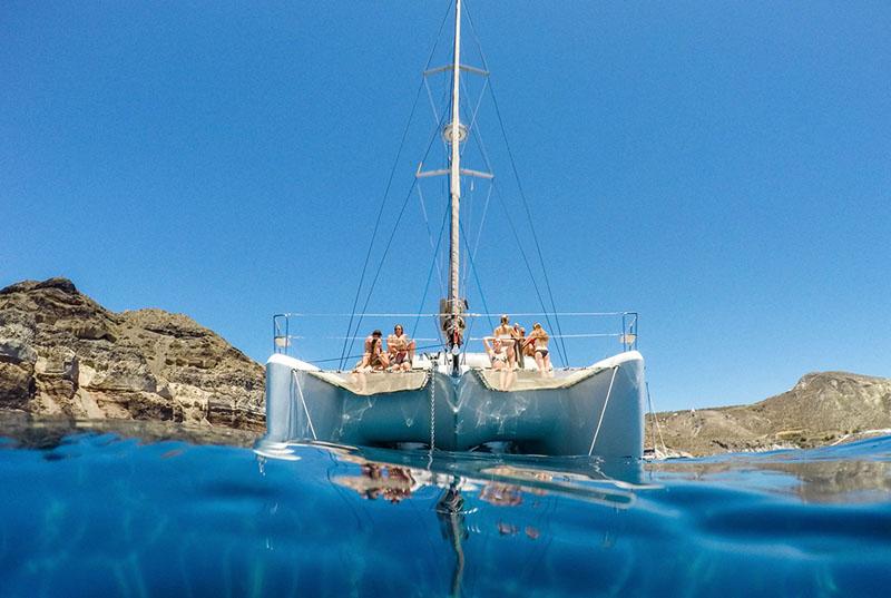 sail-around-santorini